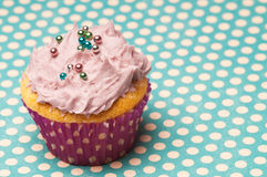 Cupcake wil polka dots Stock Photography