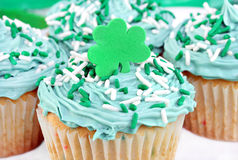 cupcakes ελαφρύ κτύπημα s ST ημέρας Στοκ Εικόνες