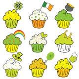 cupcakes η ημέρα πηγαίνει ο πράσινο&s Στοκ Εικόνες
