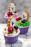 Cupcakes με τα μούρα στοκ εικόνες με δικαίωμα ελεύθερης χρήσης