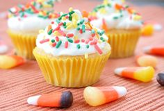 cupcakes πέστε στοκ εικόνα με δικαίωμα ελεύθερης χρήσης