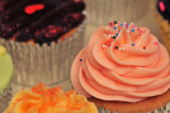 Cupcakes. Macro image on cupcakes with focus on hundreds of thousands Royalty Free Stock Photography