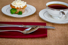 Παγωμένο κέικ καρότων τυριών κρέμας cupcakes Στοκ Φωτογραφίες