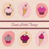 Cupcakes en roomijskaart Stock Afbeeldingen
