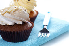 Cupcakes on fabric a Royalty Free Stock Photos