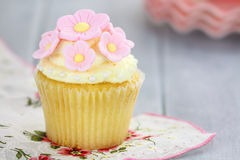 Cupcakes with Flowers Royalty Free Stock Photography