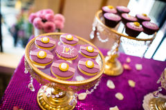 Cupcakes. At an indoor wedding scene Royalty Free Stock Photos