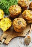 Cupcakes met kaas, dille en komijn Royalty-vrije Stock Afbeeldingen
