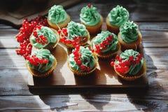Cupcakes met pistacheroom Stock Foto's