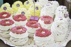 Cupcakes met spaanders Stock Afbeelding