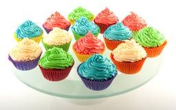 Cupcakes op dienblad Stock Fotografie