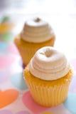 Cupcakes op harten Stock Foto's