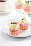 Cupcakes and tea Royalty Free Stock Images