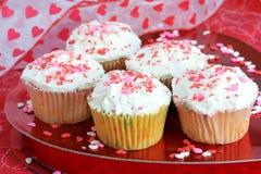 Cupcakes voor de Dag van de Valentijnskaart Royalty-vrije Stock Afbeeldingen