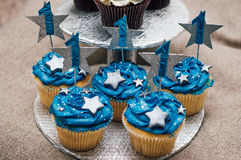 Cupcakes voor de eerste verjaardagsverjaardag Royalty-vrije Stock Foto's