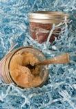 Cupcakescakes in een kruik Stock Afbeelding