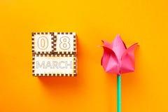 Cupe en tulp stock afbeelding