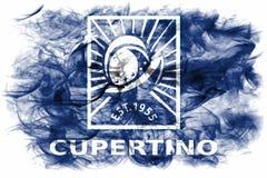 Cupertino-Stadtrauchflagge, Staat California, Vereinigte Staaten von morgens stockfotografie