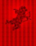 Cupid del día de tarjetas del día de San Valentín con los corazones en el papel pintado Fotos de archivo libres de regalías