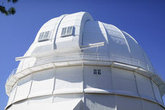 cupola bianca del telescopio a 100 pollici in Mt wilson Fotografie Stock