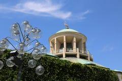 Cupola con i cervi dorati dei rttembers Art Club del ¼ di WÃ e delle luci del parco Fotografia Stock Libera da Diritti