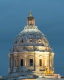 Cupola del Campidoglio dello stato del Minnesota a penombra Fotografia Stock