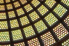 Cupola del soffitto di vetro macchiato della finestra fotografia stock