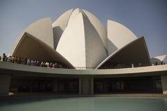 Cupola del tempio famoso di Lotus di tutte le religioni in India fotografie stock libere da diritti