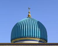 Cupola del turchese sopra l'entrata Fotografia Stock