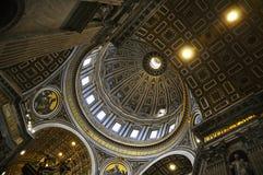 Cupola della basilica del ` s di St Peter Fotografia Stock