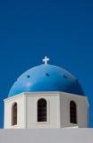 Cupola della chiesa di Santorini, Grecia Fotografia Stock Libera da Diritti