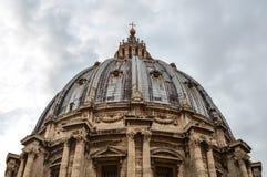 Cupola della st Peter Basilica a Citt? del Vaticano immagine stock