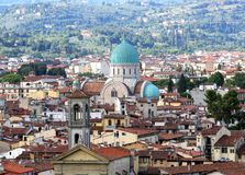 Cupola di Florence Italy della sinagoga e di un chruch Immagini Stock