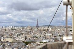 Cupola di Invalides e della torre Eiffel da Notre Dame Parigi, Francia immagini stock libere da diritti