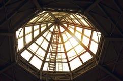 Cupola di vetro sul tetto del centro commerciale Fotografia Stock