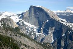 Cupola mezza dal punto del Yosemite fotografia stock