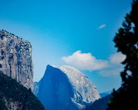 Cupola mezza nella sosta nazionale del Yosemite fotografia stock