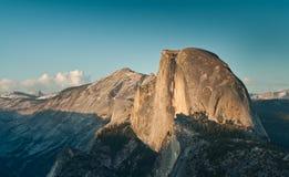 Cupola mezza nella sosta nazionale del Yosemite Immagine Stock