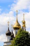 Cupole dorate contro il cielo Fotografia Stock