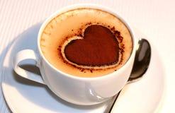 Cuppuccino du coeur de Valentine Photo libre de droits