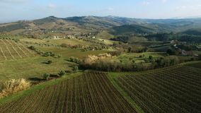 Cupramontana - Le Marche, Italië - luchthommelvideo stock video