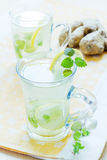 Cups of green tea with mint Royalty Free Stock Photos