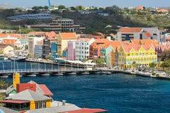 Curaçao mit Königin Emma Bridge in Willemstad Stockbilder