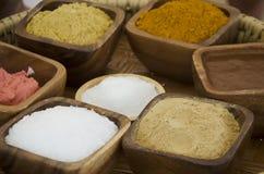 Cura di pelle cosmetica di erbe e stile tailandese antico della stazione termale di massaggio Immagini Stock