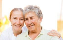 Cura domestica anziana Immagini Stock