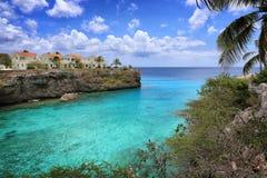 Curacao: Karibiskt blått hav arkivbilder