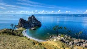 Curandeiro Rock, ilha de Olkhon, o Lago Baikal, Rússia Imagens de Stock Royalty Free