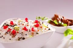 Curd Rice - södra indiskt yoghurtris. Arkivfoton
