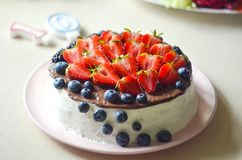 Curd tortowego dekorującego z owoc, żadny cukier, żadny mąka Pojęcie właściwa zdrowa dieta, ciężar strata fotografia royalty free