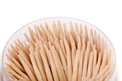 Cure-dents dans une boîte ronde. Images libres de droits
